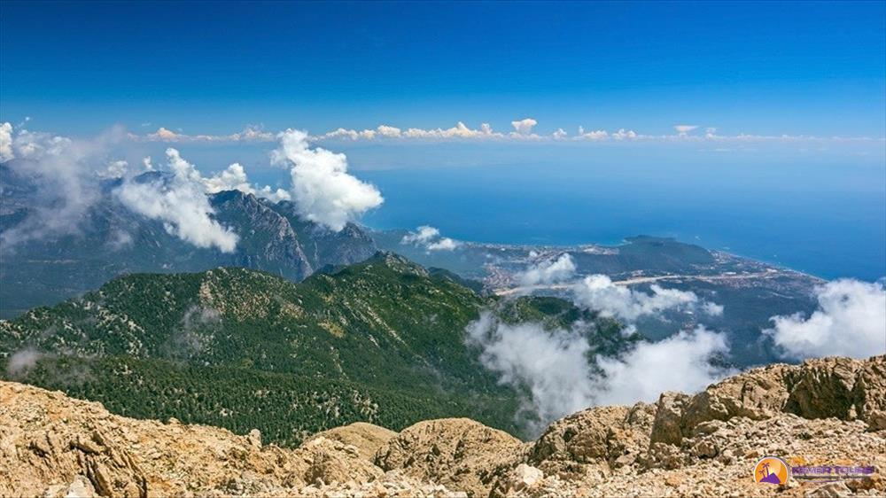 Канатная дорога на вершину горы Тахталы из Кемера