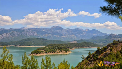 Picnic and fishing on the lake Karacaören Kemer